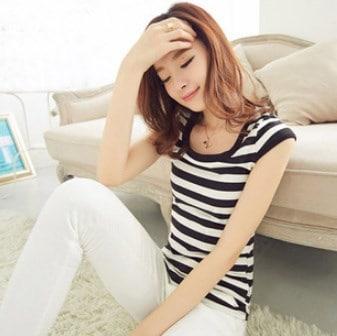 新しいファッションTシャツ女性ブラウス夏の女性衣類Oネック半袖ストライプティーズトップス