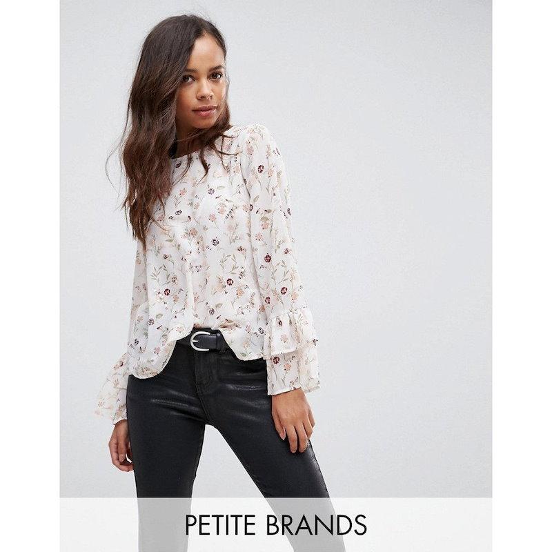 ニュールック レディース トップス【New Look Petite Sequin Floral Fluted Sleeve Top】White pattern