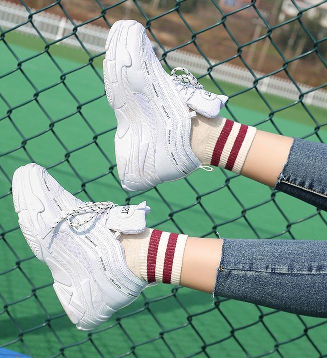 春新品 美脚 靴  ホワイトスニーカー 厚底靴 パンプス スニーカー 靴レディース  スニーカー 通勤靴 女靴 運動靴 韓国ファション レディースファション  ブラック靴 結婚式