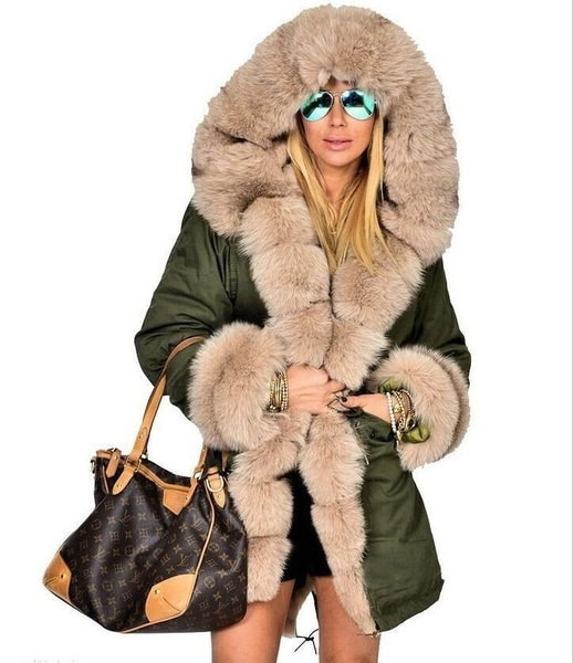 女性のための新しい大きなアライグマナチュラルリアル毛皮のコート冬のジャケットの女性の冬のコート0317