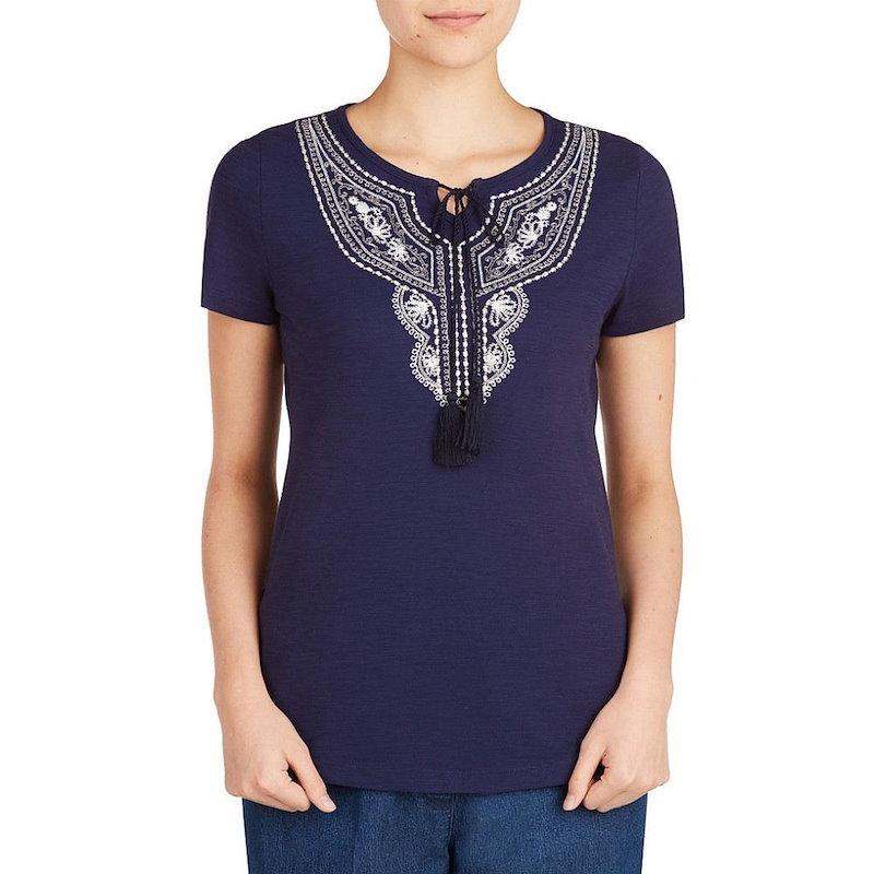 アリソン デイリー レディース トップス【Allison Daley Embroidered Notch Neck Short Sleeve Knit Top】Navy