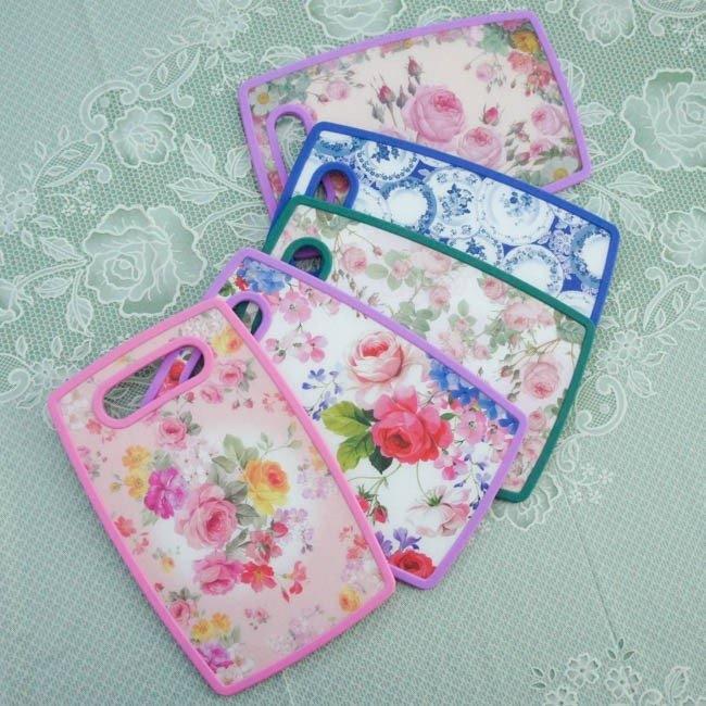 ローズカッティングボード Sサイズ まな板 ローズ 薔薇 花柄 ピンク ブルー おしゃれ ポリプロピレン製