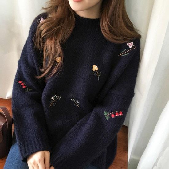 【チェリーココ] flower ming、knit(C712MSKN66)/刺繍ニット/ウール/フラワー/ネイビー ニット/セーター/パターンニット/韓国ファッション