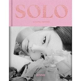 韓国スター写真集 BLACKPINKのジェニ - JENNIE [SOLO] PHOTOBOOK -SPECIAL EDITION- (フォトブック128P+はがき1種+フォトカード1種 外)