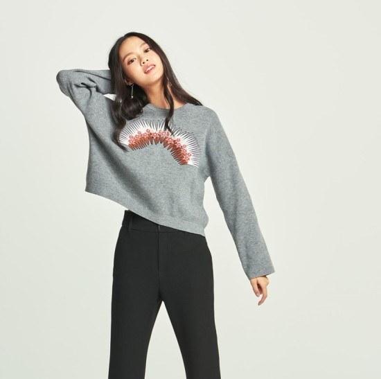 [ジューシージュディ]前板ができ装飾プルオーバーJSKT126A ニット/セーター/パターンニット/韓国ファッション