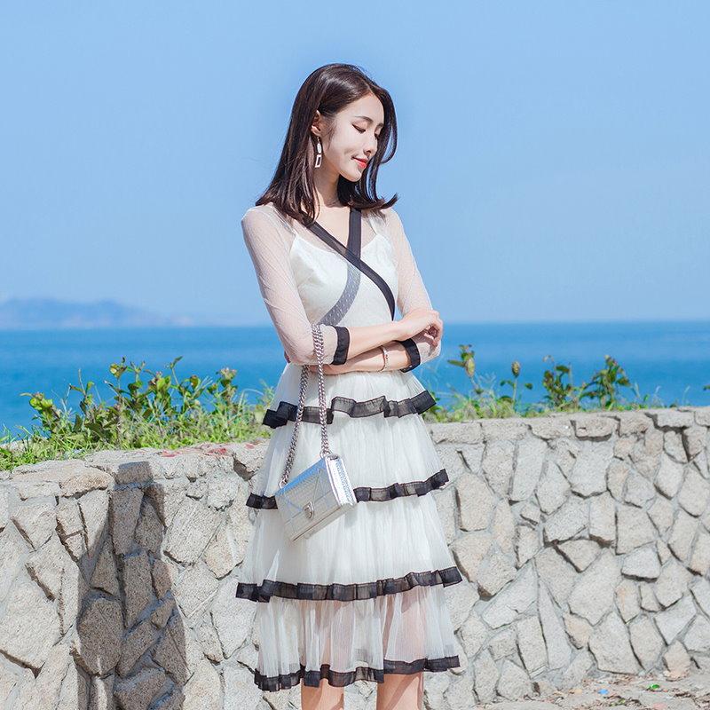 2018 春新作 韓国ファッション 新しいV襟ウエストバンドガーゼスカートは、2ピースのドレスの長いセクションでドレス