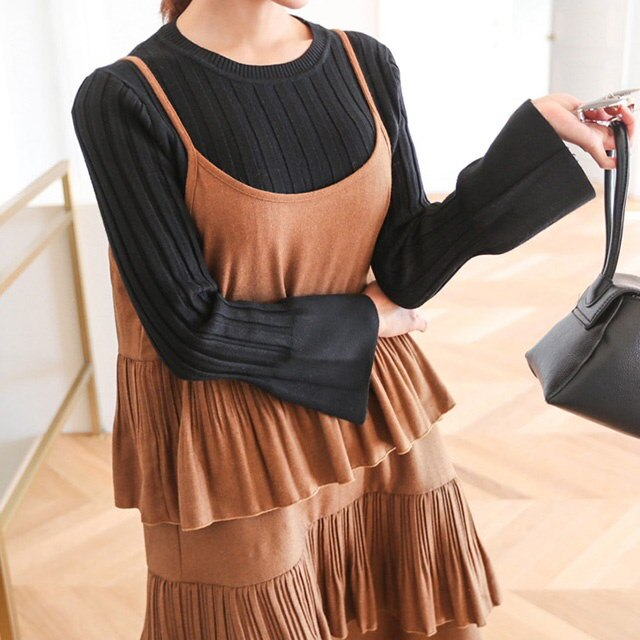 Choke Round Horn Sleeves Gold Knit Tee Daily Look Daily Bag